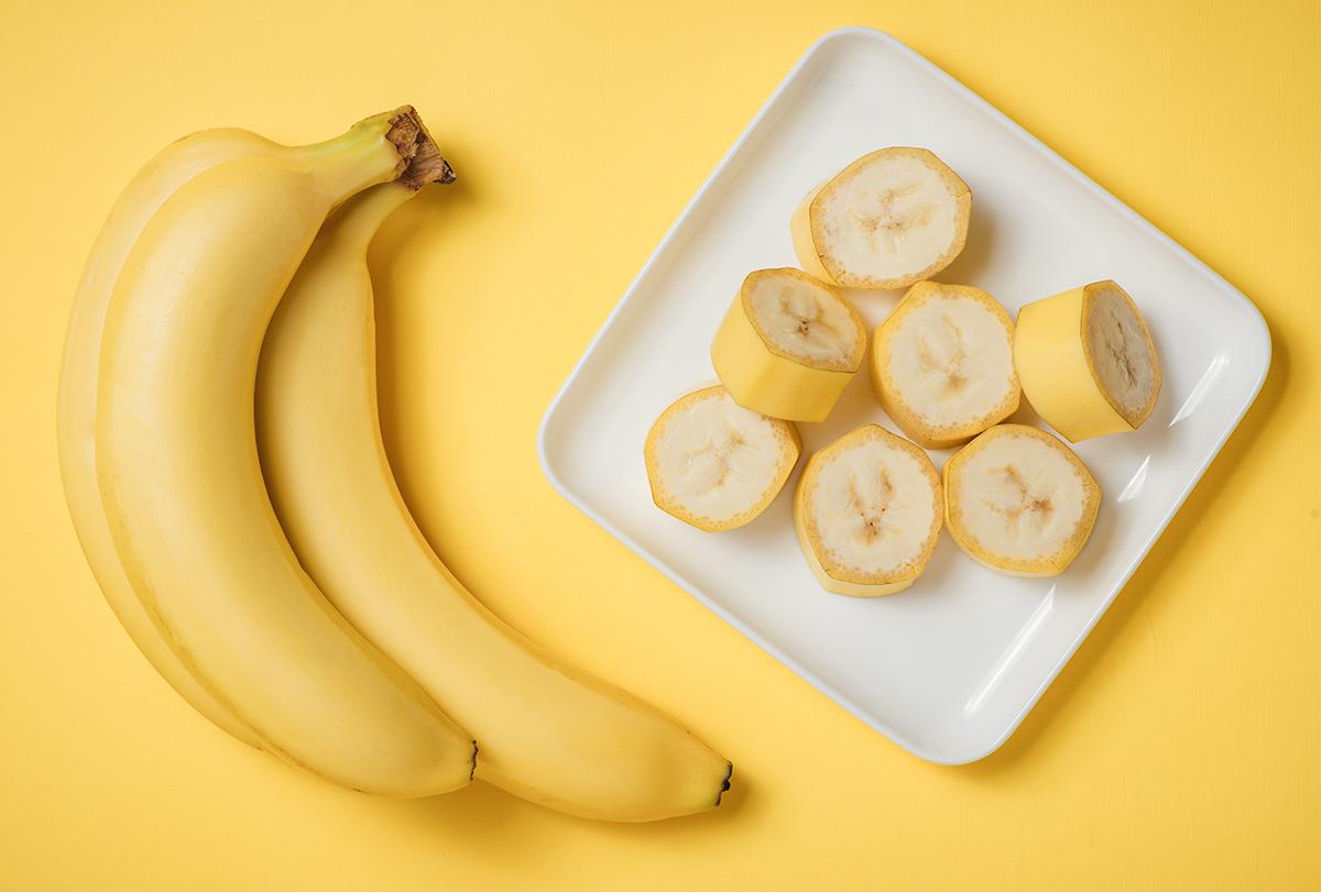 https://img.emedihealth.com/wp-content/uploads/2020/09/banana-feat-1.jpg
